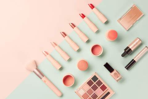 Cosmetics, Flatlay, Hema, Full-Service, Production House, Image Strategy